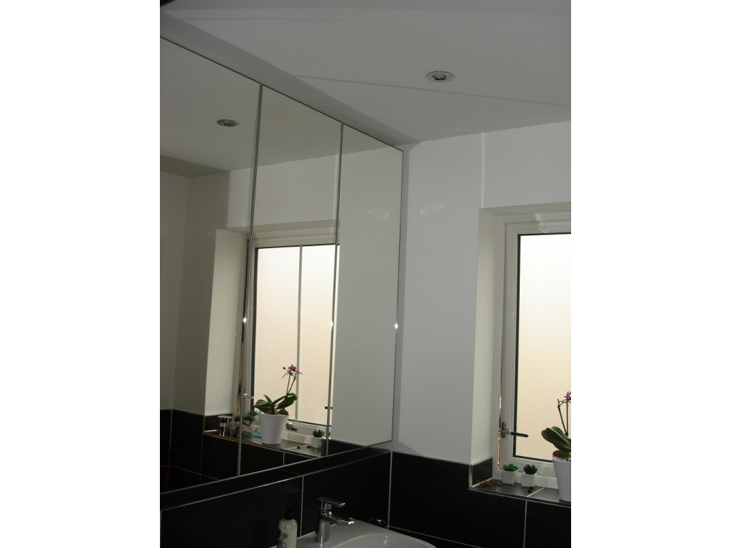 Made to measure luxury bathroom mirror cabinets glossy home for Bathroom armoire cabinets